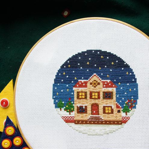 Winter nights have their own special charm and mystery. They are reminiscent of fabulous childhood, Christmas games and fun in the snow. This pattern will turn you to comfort and mood of Christmas when the whole family gathers in the house, lights candles and enjoys winter.